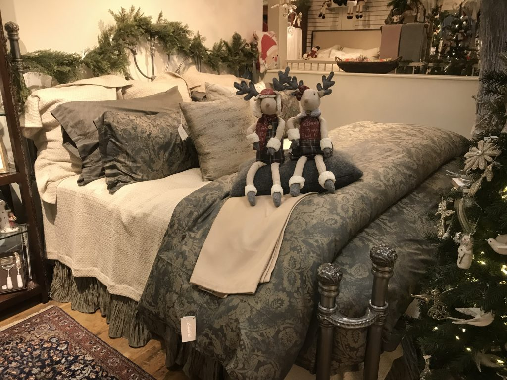 Luxury Linens & Gifts
